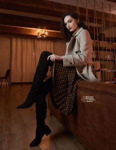 Мария Михалкова-Кончаловская, пальто, кресло, фотограф Арнаут Юрий